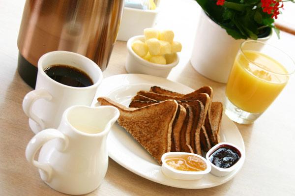 Hot Breakfast Pacific Inn Suites Kamloops