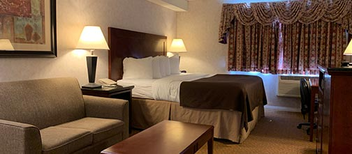 One Bedroom Suite - Pacific Inn & Suites, Kamloops